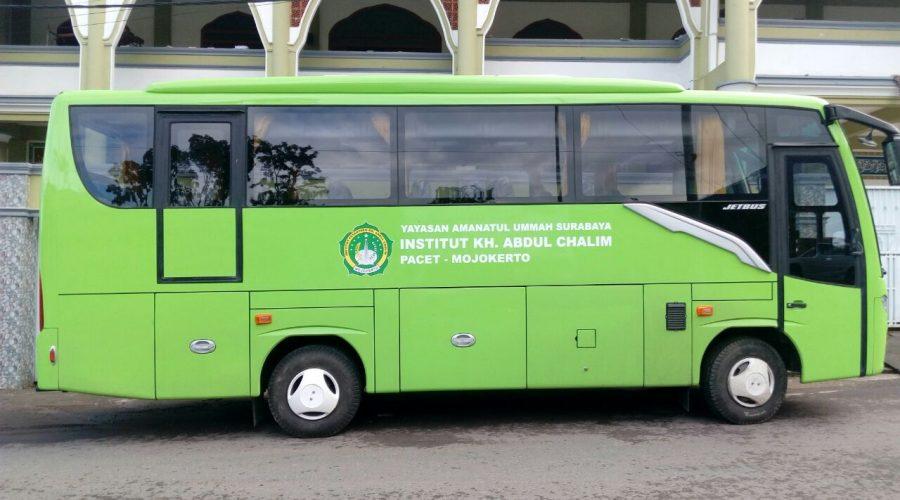 Bus Khusus antar jemput mahasiswi (Asrama-Kampus) IKHAC