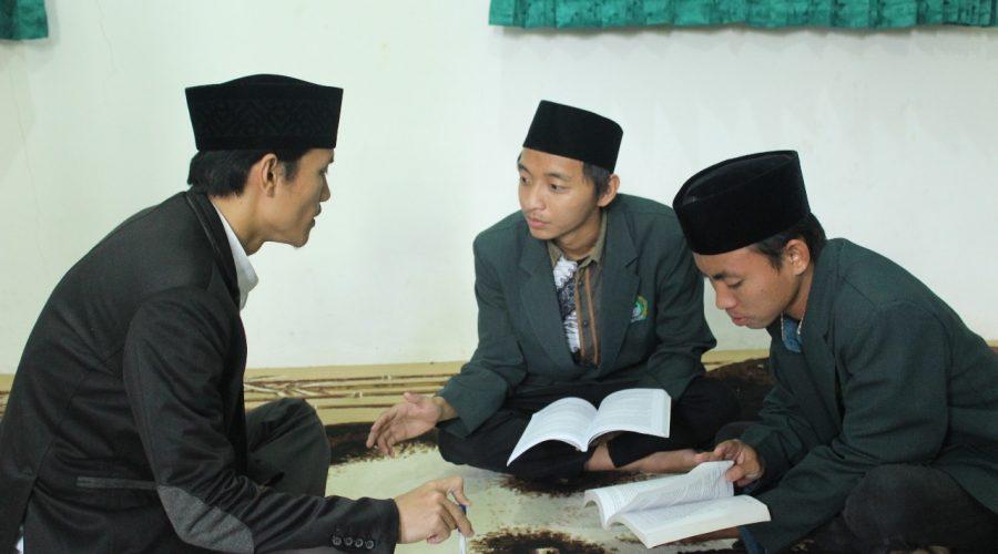 konsultasi intensive antara mahasiswa dan dosen